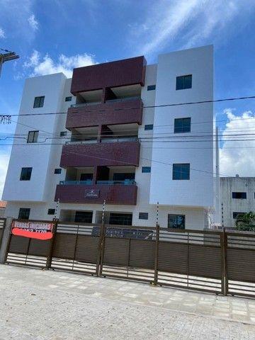 Apartamento no Cuiá com 2 quartos, varanda e vaga de garagem. Pronto para morar!!!