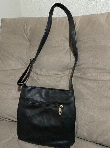 Bolsa preta com alça ajustável - Foto 2