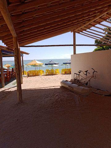 Loja na areia da praia do mutá com espaço extra coberto
