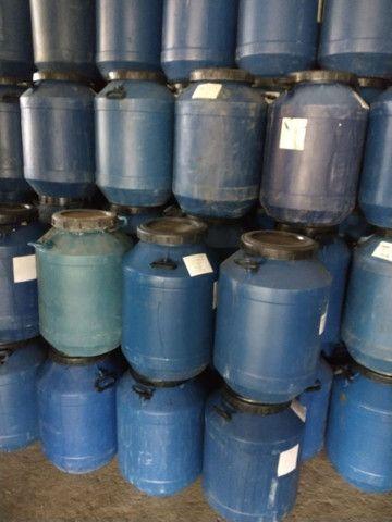 Vendo tambor plástico de 50 e 200 litros - Foto 4