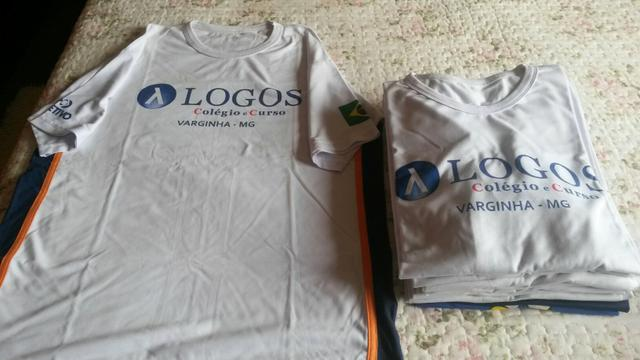 Lote de camisetas de uniforme do colégio Logos