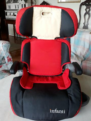 Cadeira infantil para auto marca Infanti em bom estado