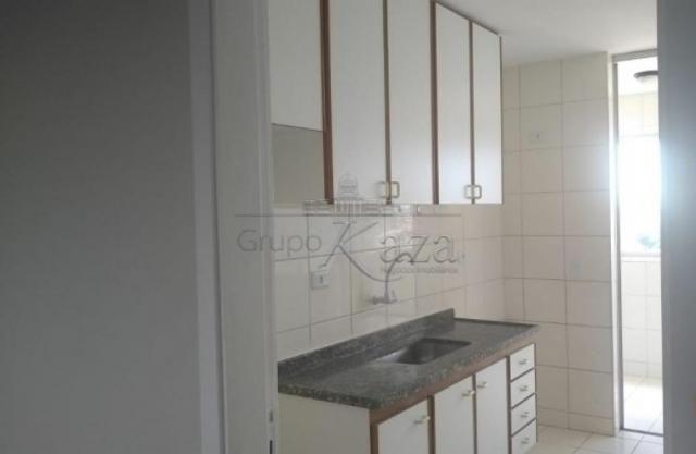 Apartamento à venda com 3 dormitórios em Centro, Sao jose dos campos cod:V31183UR