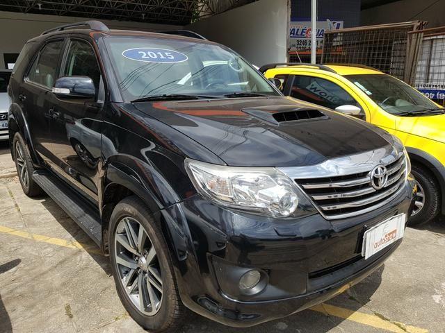 Toyota Hilux SW4 3.0 SRV 2015 7 Lugares - Foto 2