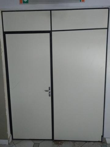 Divisórias usadas R$ 60 reais o metro quadrado e R$ 200 reais a Porta Separada - Foto 4