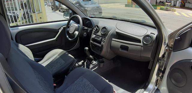Ford Ká 2009 1.0 Flex Dir. Hidráulica - Foto 5