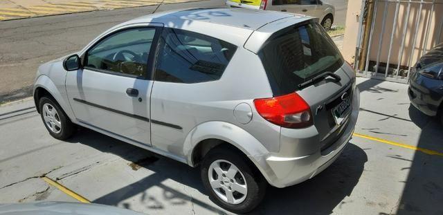 Ford Ká 2009 1.0 Flex Dir. Hidráulica - Foto 4