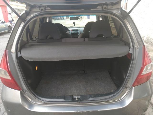 Honda fit 2006 bem abaixo da tabelars 15.000 carro com passagem de leilão - Foto 5
