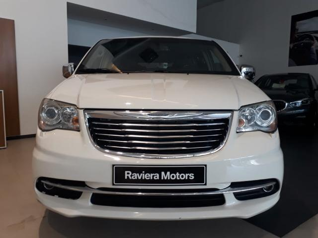 Chrysler Town & Country Limited 7 lugares Blindado - Foto 3
