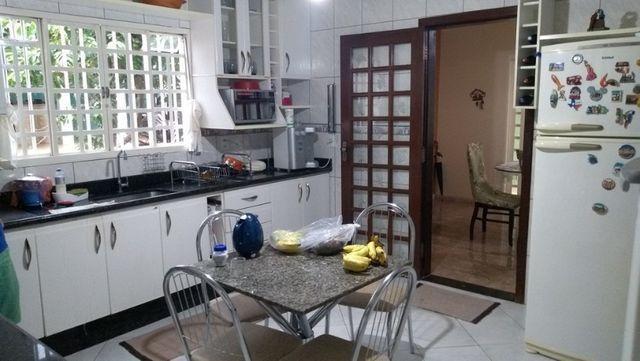 Samuel Pereira oferece: Sobrado no Setor de Mansões Sobradinho 3 Suítes Churrasqueira - Foto 9