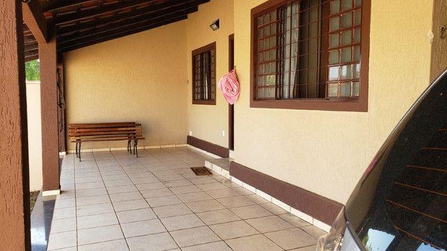 Samuel Pereira oferece: Casa na Laje Rua sem Saída Churrasqueira Armários 3 quartos - Foto 3