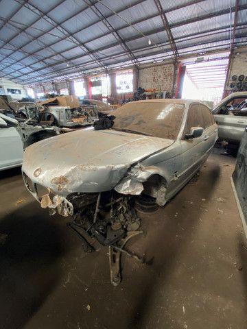 Sucata para retirada de peças- BMW 320i - Foto 5