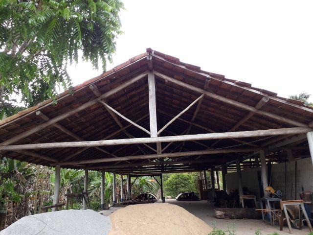 Cobertura de eucalipto e telha francesa para área rural