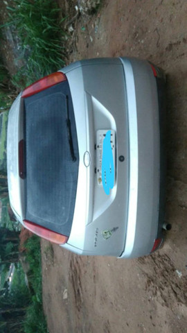 Ford Focus ano 2003 - Foto 3