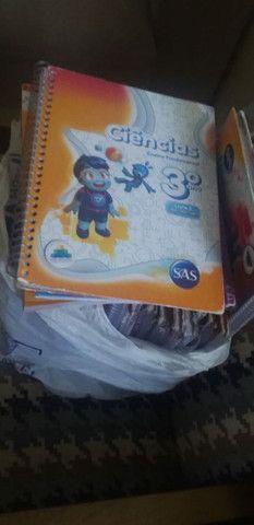 Vendo 18 Livros do 3°ano, valor R$=1100 - Foto 2