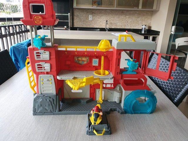 Conjunto Transformers Rescue Bots Quartel Dos Bots - Foto 3