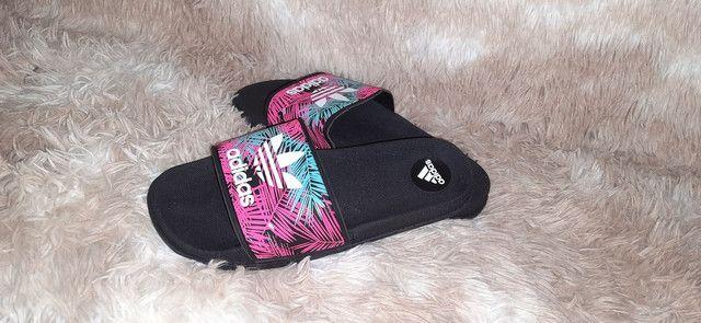 Chinelo slide Adidas feminino n° 34 35 36 37 38 39 - Foto 2