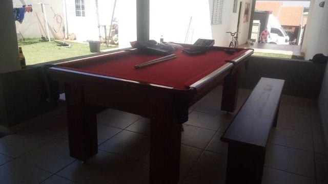 Mesa Madeira Carlin Bilhares Cor Imbuia Tecido Vermelho Mod. OUVE4077 - Foto 2