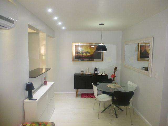 Excelente apartamento todo reformado de 2 quartos