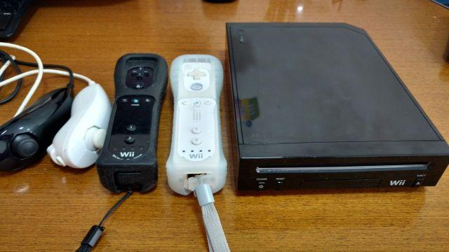 Nintendo Wii + 2 Controles