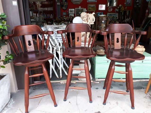Cadeira de bar estilo inglês colonial