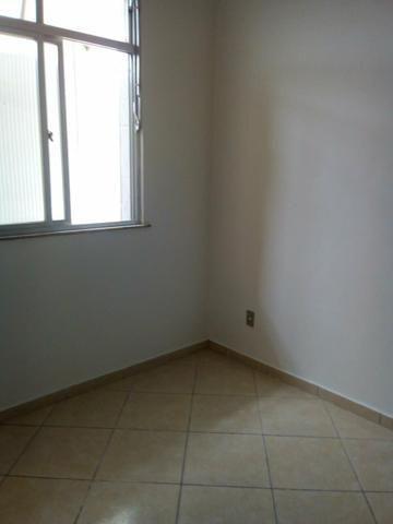 Alugo apartamento (primeiro mês de graça) de 2 quartos próximo ao metrô de Maria da Graça