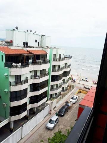Zona 1 - 2 Dormitórios, a 30 metros do Mar na Meia Praia