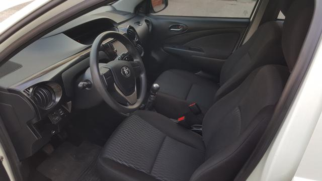 Toyota Etios X 1.3 2017 - Foto 4