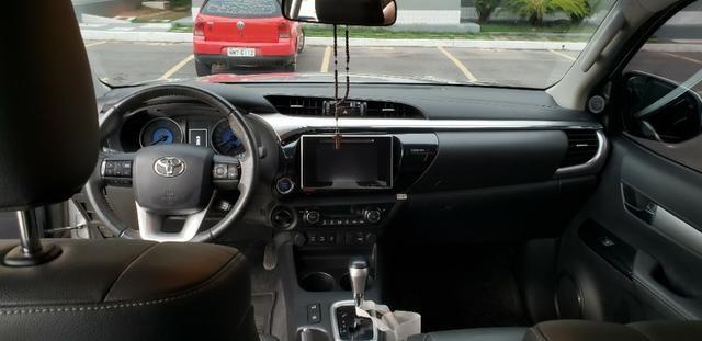 Toyota Hilux SRX 2.8 4x4 - Foto 5