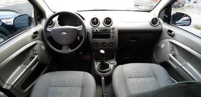Ford Fiesta 1.0 Completo 2004 - Foto 5
