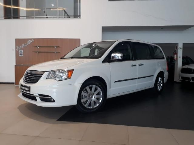 Chrysler Town & Country Limited 7 lugares Blindado - Foto 2