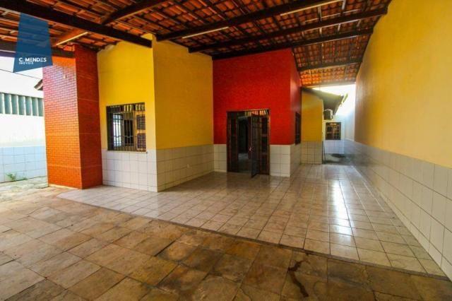 Casa com 3 dormitórios para alugar, 300 m² por R$ 2.000/mês - Cidade dos Funcionários - Fo