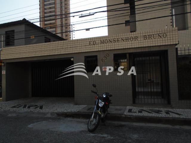 Apartamento para alugar com 3 dormitórios em Meireles, Fortaleza cod:28636