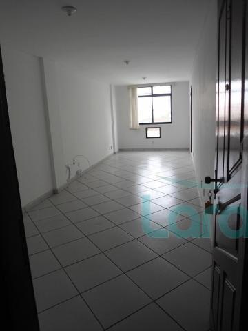 Escritório para alugar com 0 dormitórios em Centro, Macaé cod:1530