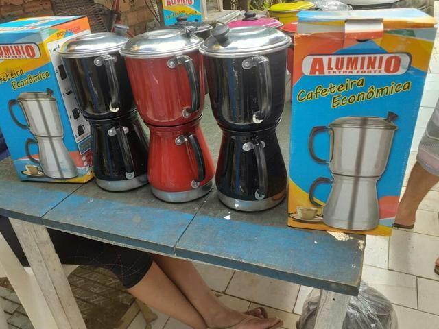 Cafeiteira de aluminio na promoção