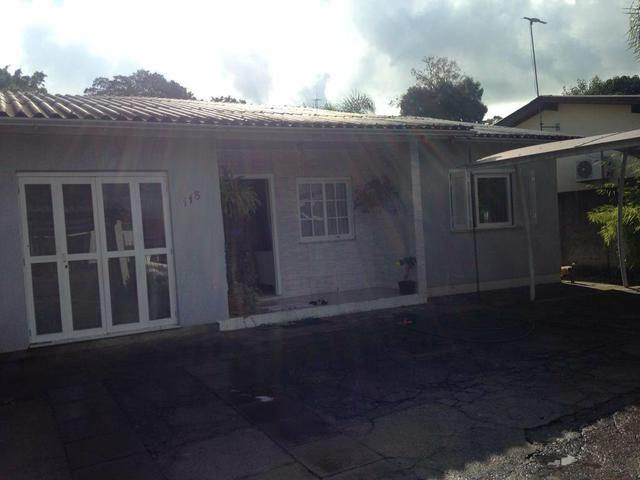 Casa 3 quartos, suíte e água com aquecimento a gás