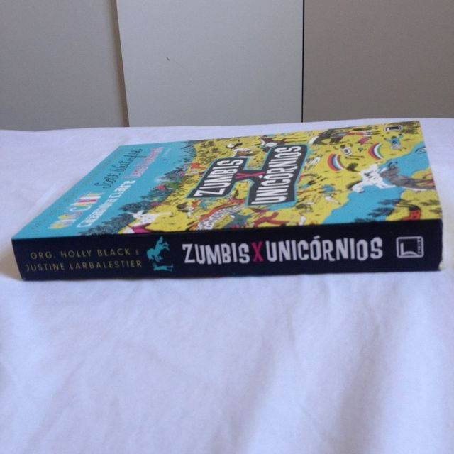 Zumbis X Unicórnios - Foto 2