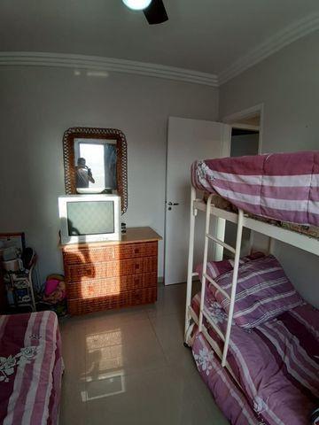 Lindo Apartamento de 2 dormit com sacada região Tortugas - Foto 7