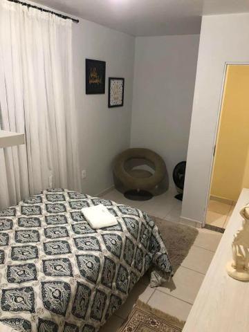 Aluga-se quarto suíte mobiliada p/ moças - Foto 3