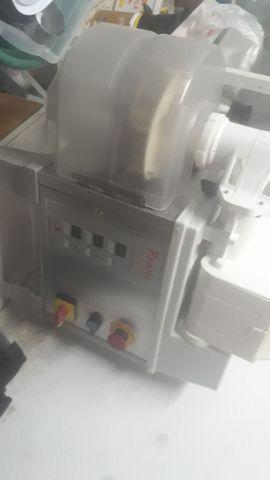 Máquina de salgados MCI