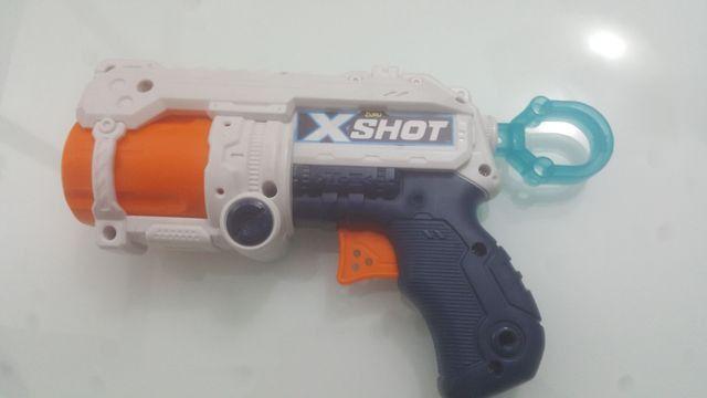 Nerf X-Shot com mais 3 dardos de espuma de brinde - Foto 2