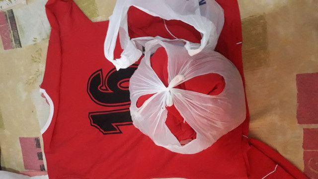 Camisas de 15 unidades é vermelho  - Foto 2