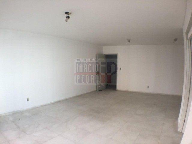 [A31423] Apartamento com Sala Ampla, 3 Quartos sendo 1 Suíte. Em Boa Viagem !! - Foto 7