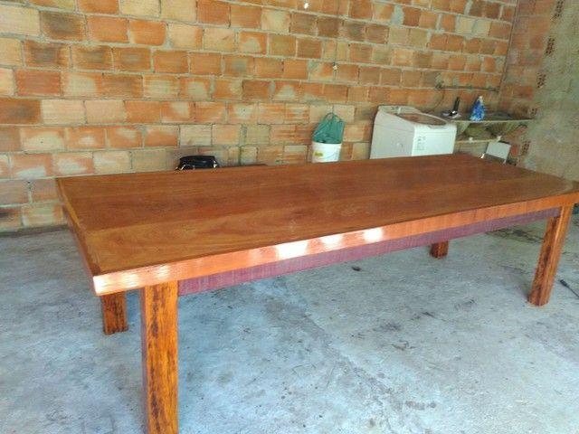 Vendo mesa de madeira maciça  Angelin pedra - Foto 4