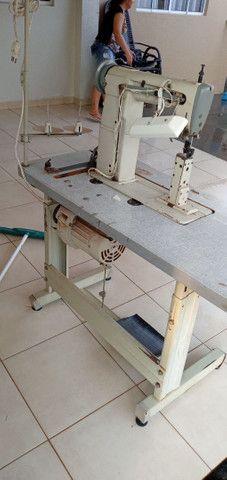 Maquina de pesponto de uma agulha  com guia e luz de led