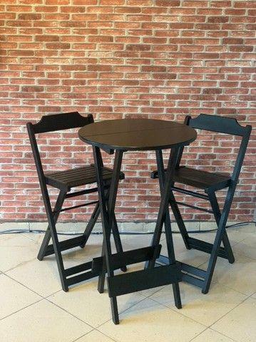 Mesa de madeira com cadeiras para seu bar, jogos de mesas. Conjunto de mesa  - Foto 4