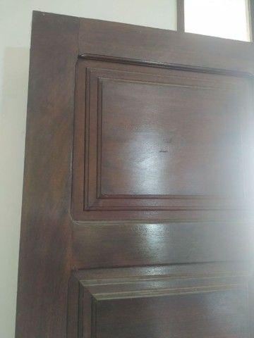 Porta antiga em madeira - Foto 6