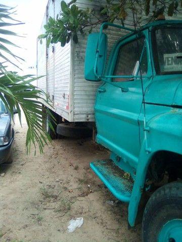 Vendo ou troco  Caminhão FORD F7000 - Foto 2