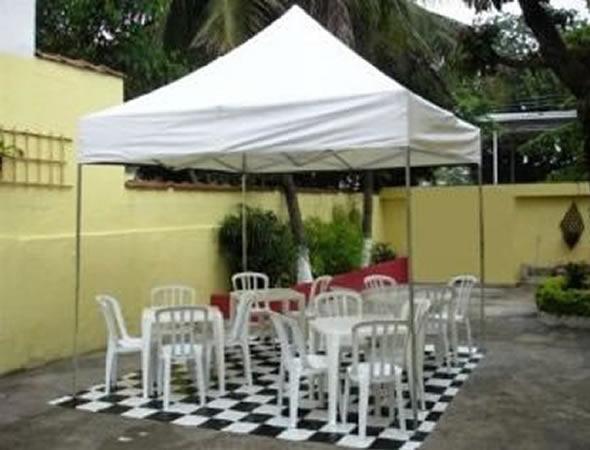 5dbafe530fd3e Aluguel de Tendas Brancas 3x3 Sanfonadas para Festas e Eventos de ...