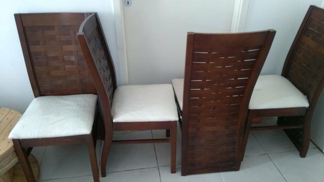 Conjunto cadeiras e pé de mesa